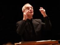 Nicholas Kraemer - conductor